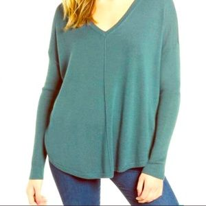 💗TROUVE V-neck lightweight sweater NWT
